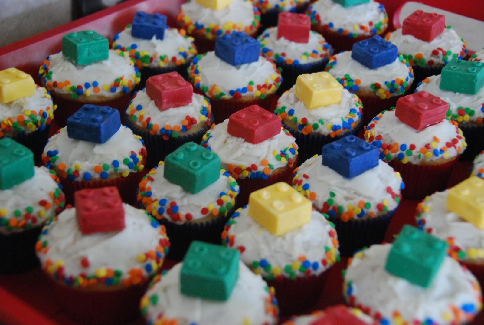 Easy Lego Cupcakes