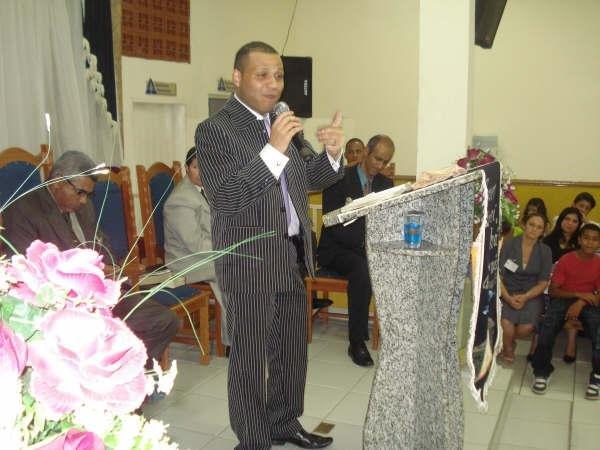 Ministrando em Encontro de Mocidade em DIADEMA SP.