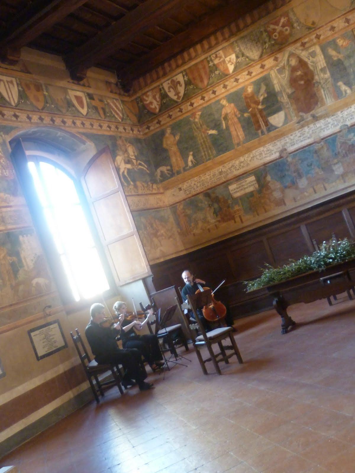 Sala Matrimonio Toscana : Matrimonio in sala dante san gimignano wedding