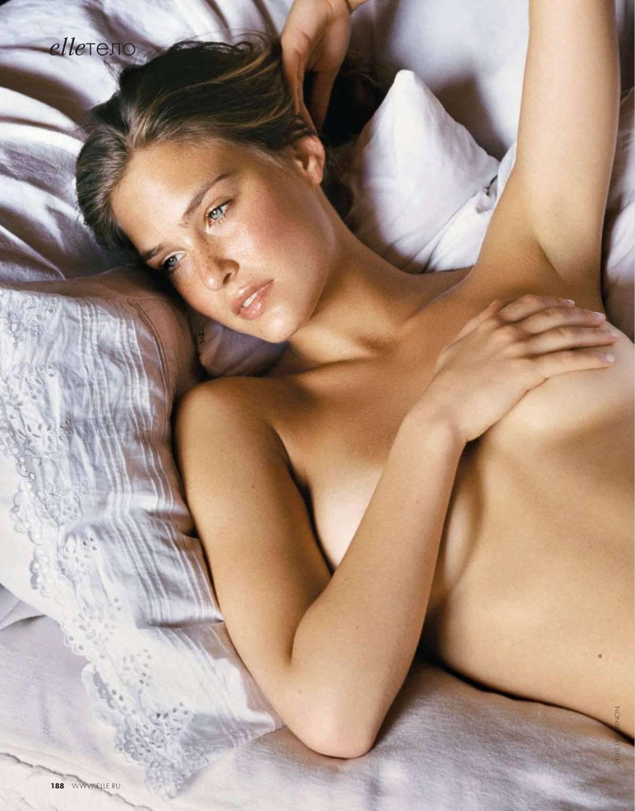 http://2.bp.blogspot.com/_HshTMYttcWs/S6n8LF06VZI/AAAAAAAAFcI/OY6ti8j8W1w/s1600/Bar_Refaeli_naked.jpg
