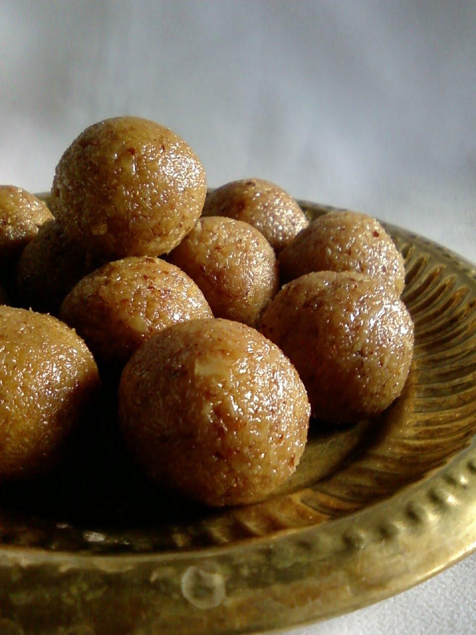 Bellam Kobbari Vundalu ~ Coconut Jaggery Laddu - Blend with Spices