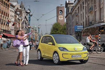 veeup004 2013 Volkswagen E Up city car earmarked for select U.S. markets.
