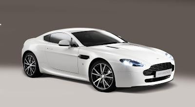 37424961090astn420002without race collection paint scheme Aston Martin releases new N420 edition V8 Vantage