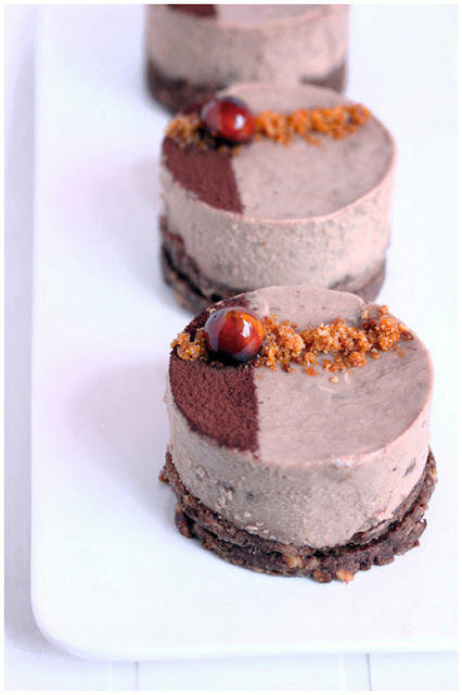 Foodagraphy. By Chelle.: Chocolate hazelnut mousse cake