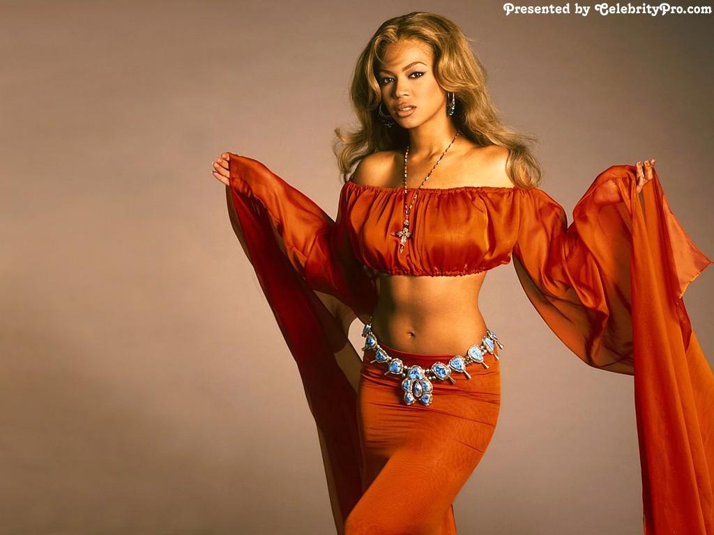 http://2.bp.blogspot.com/_HuE9hjtslp0/TRv6VEjHGjI/AAAAAAAADMw/Apk-bzaIlgs/s1600/Beyonc%25C3%25A9+Knowles+elegant+in+red.jpg