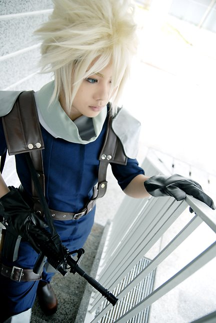 Cosplay - Page 3 Crisis_Core__Cloud_Strife__by_Jesuke