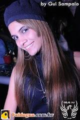 Flávia Dias