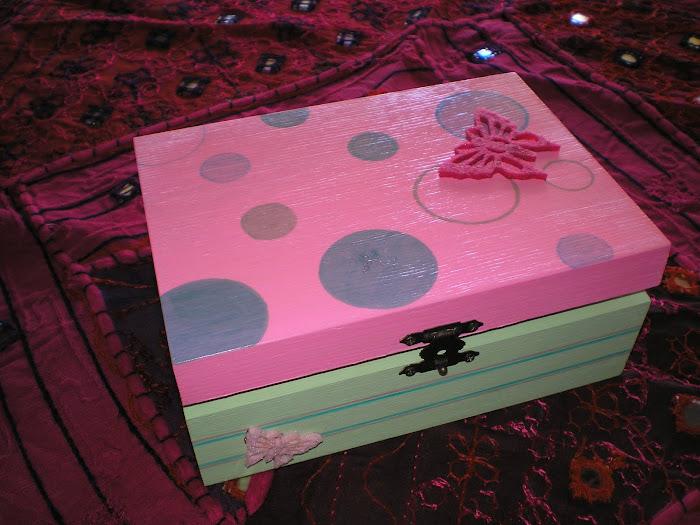 Caixa rosa/verde Borboleta
