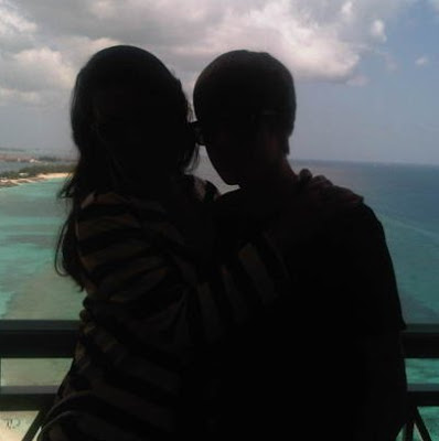 balai desa kim kardashain gets a kiss from justine beiber