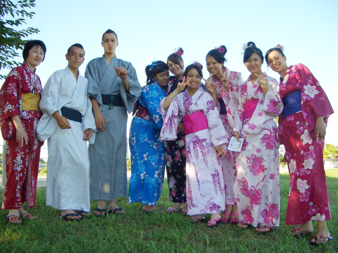 Pré-Adolescente) em Hamamatsu, para chamar a atenção dos japoneses ...