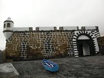 Portas de Porto Pim