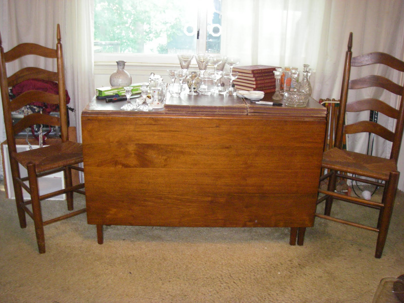 Yard sale furniture estate sale dining table solid for Furniture yard sale