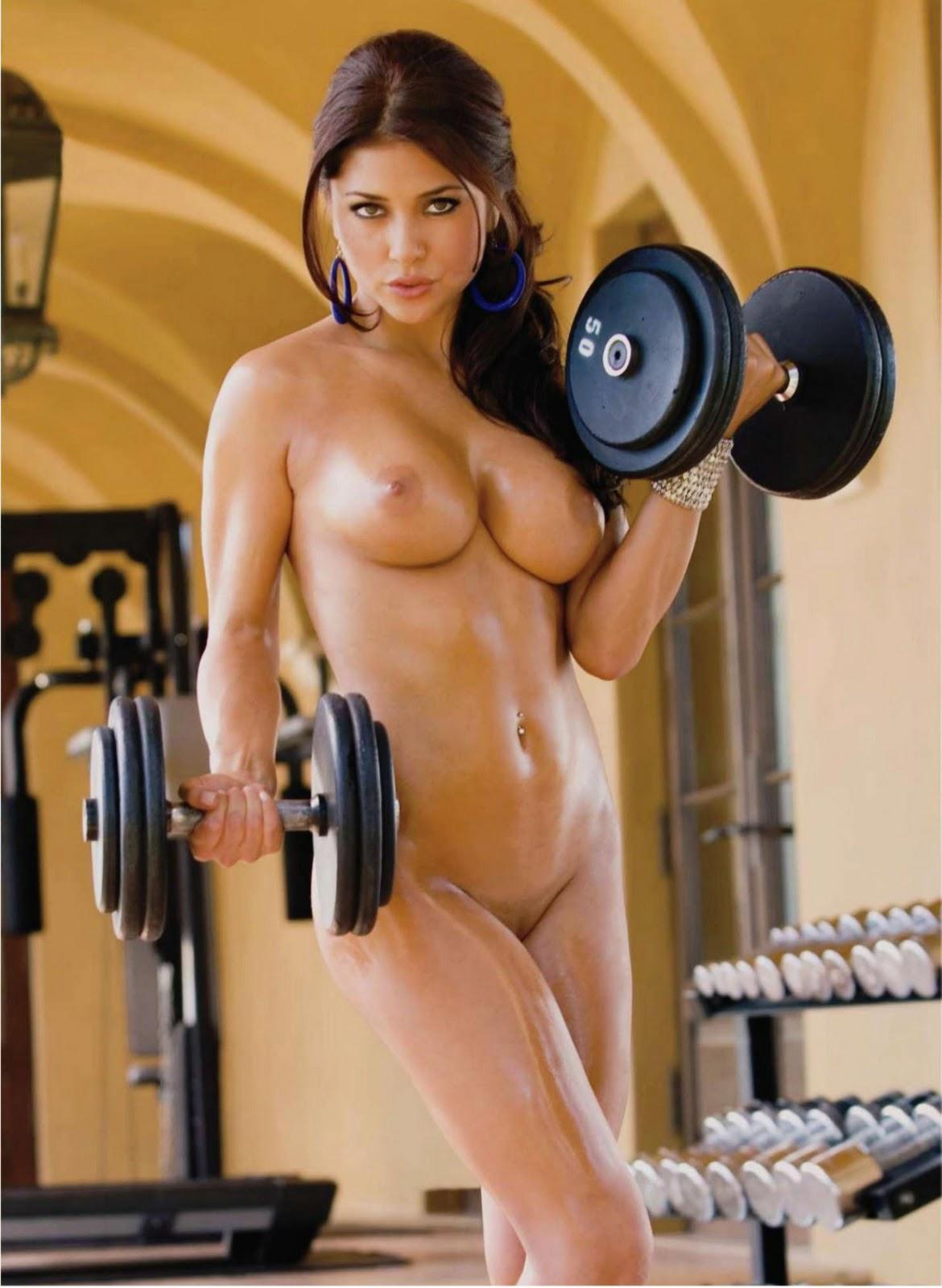 golie-sportsmenki-fitnes-i-kulturistki