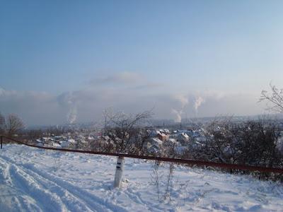Вид на посёлок с холма