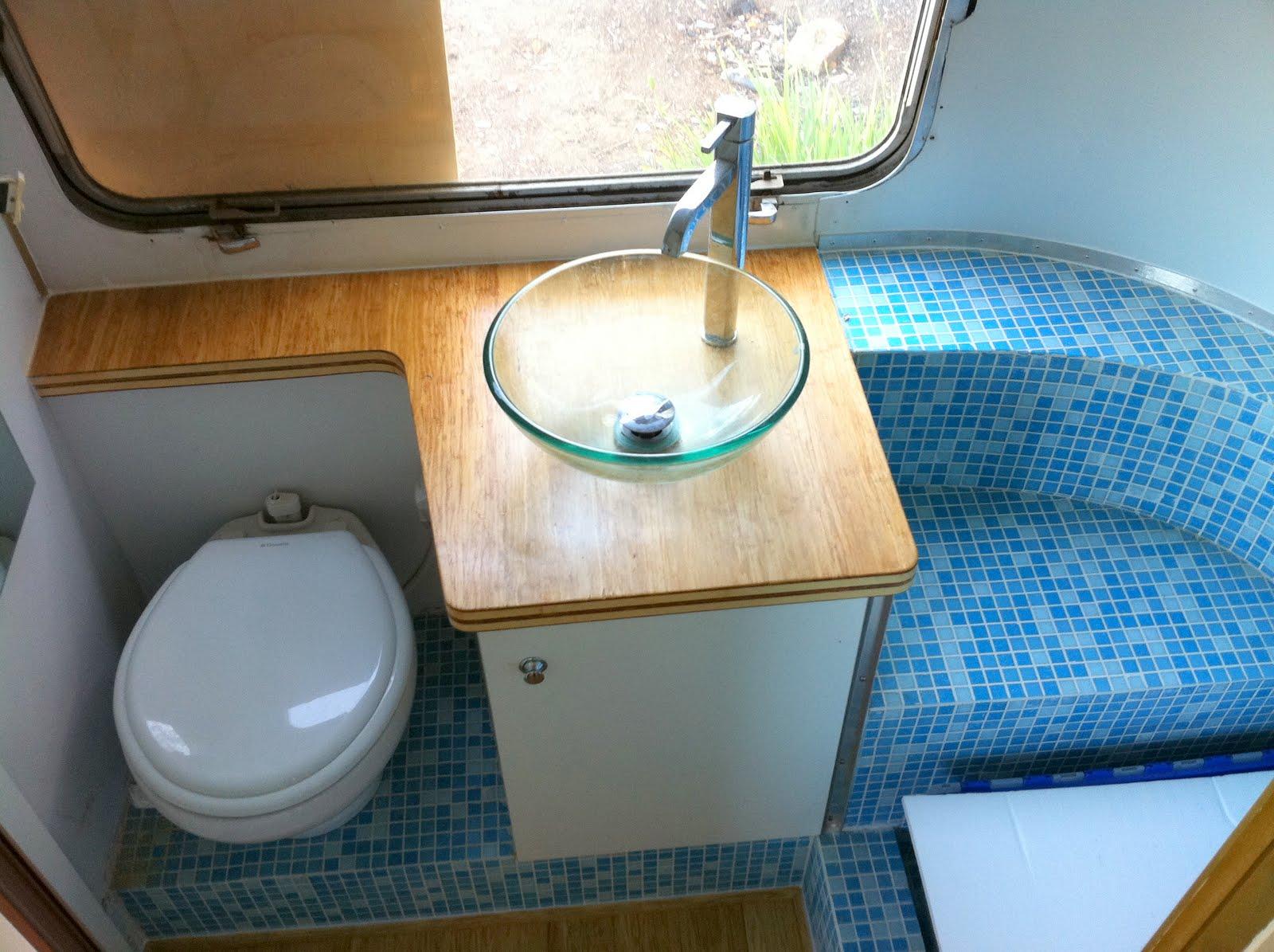 Buy El 20043 Bathroom Ceiling Light: An Architect's Airstream: The Bathroom