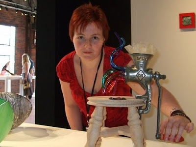 Rachel Elliott with her piece 'Extracting Rainbows' at the British  Glass Biennale 2008, Stourbridge, UK.