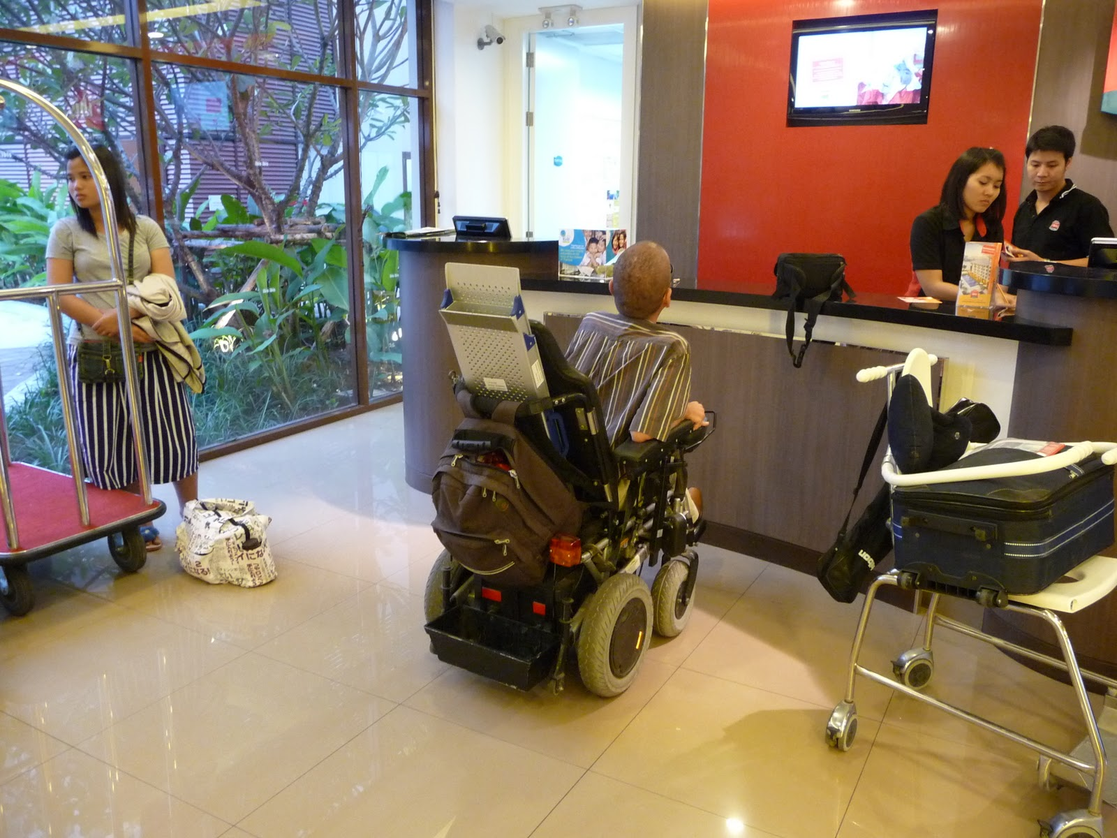 Accessible holidays Thailand for disabled: Wheelchair accessible ...