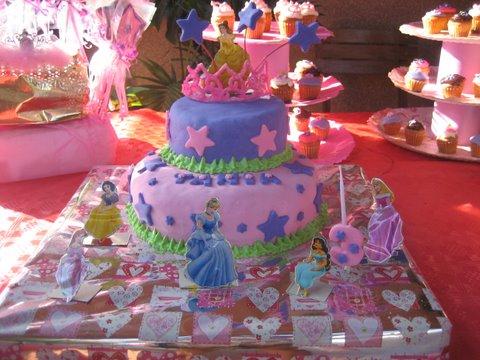 Tartas de colores.: Tarta de princesas