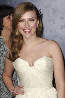 Scarlett Johansson Boob on Scarlett Johansson   Breast Implants  Naw