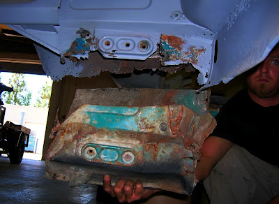 Inner right rear corner before welding-in original panel