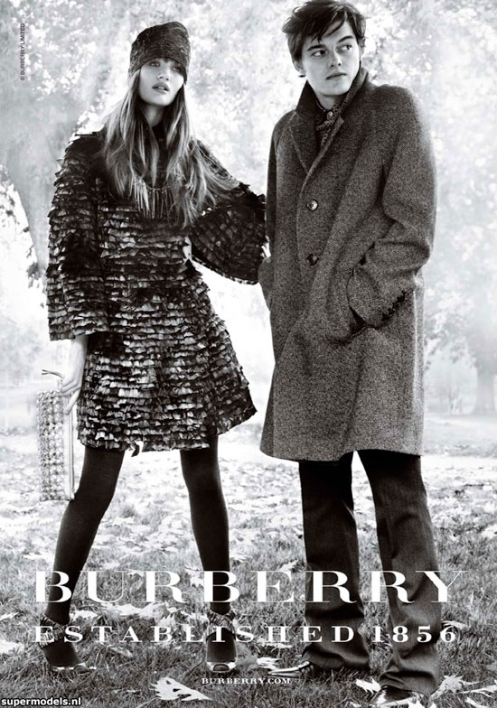 Rosie+huntington+whiteley+burberry+pictures