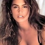 famous supermodel Cindy Crawford shows her boobs