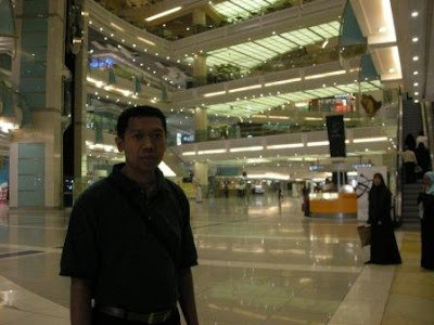 Grand Shopping Center Tower ZamZam