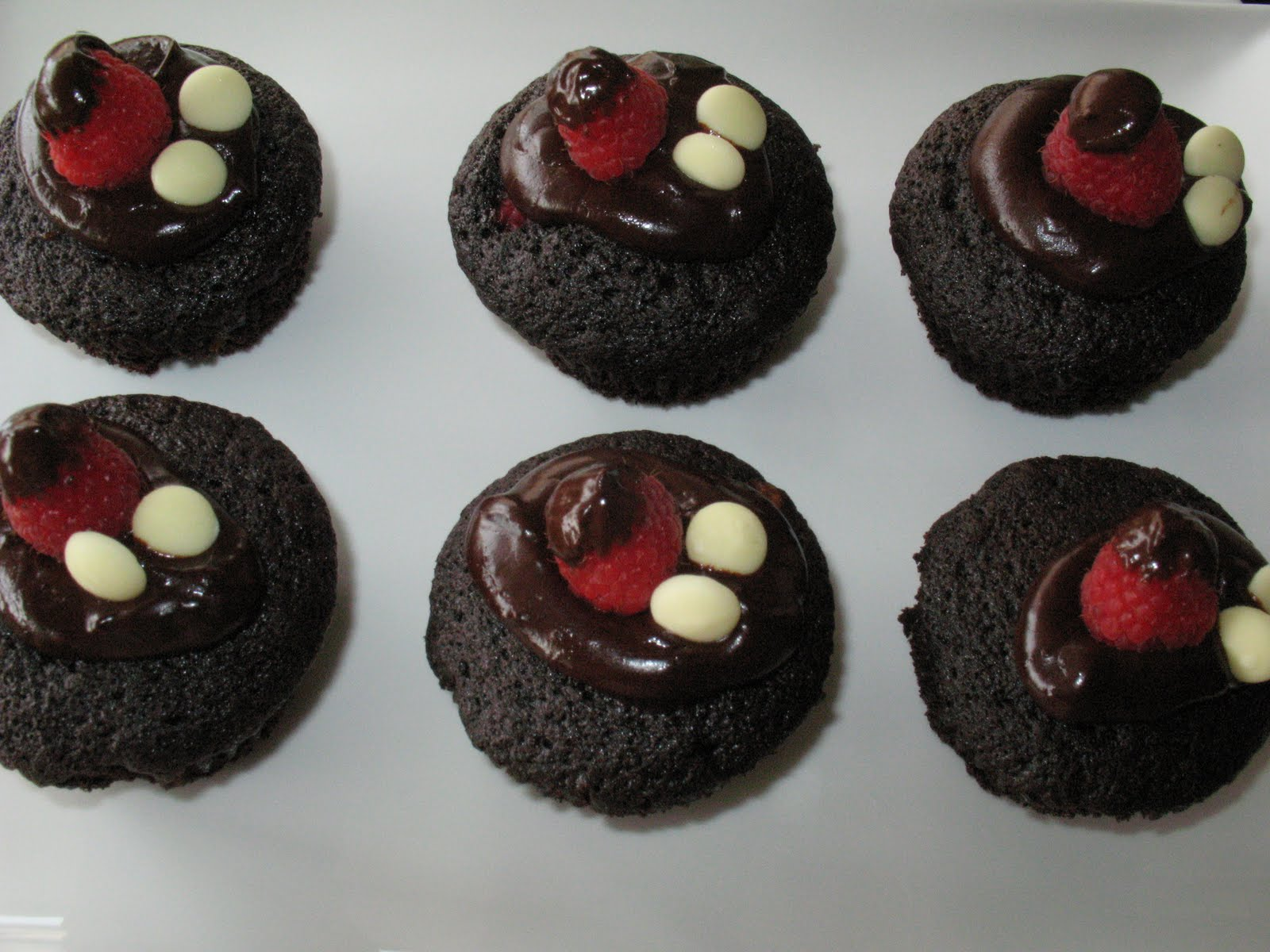 Anna's Table: Dark Chocolate Cupcakes with Ganache.
