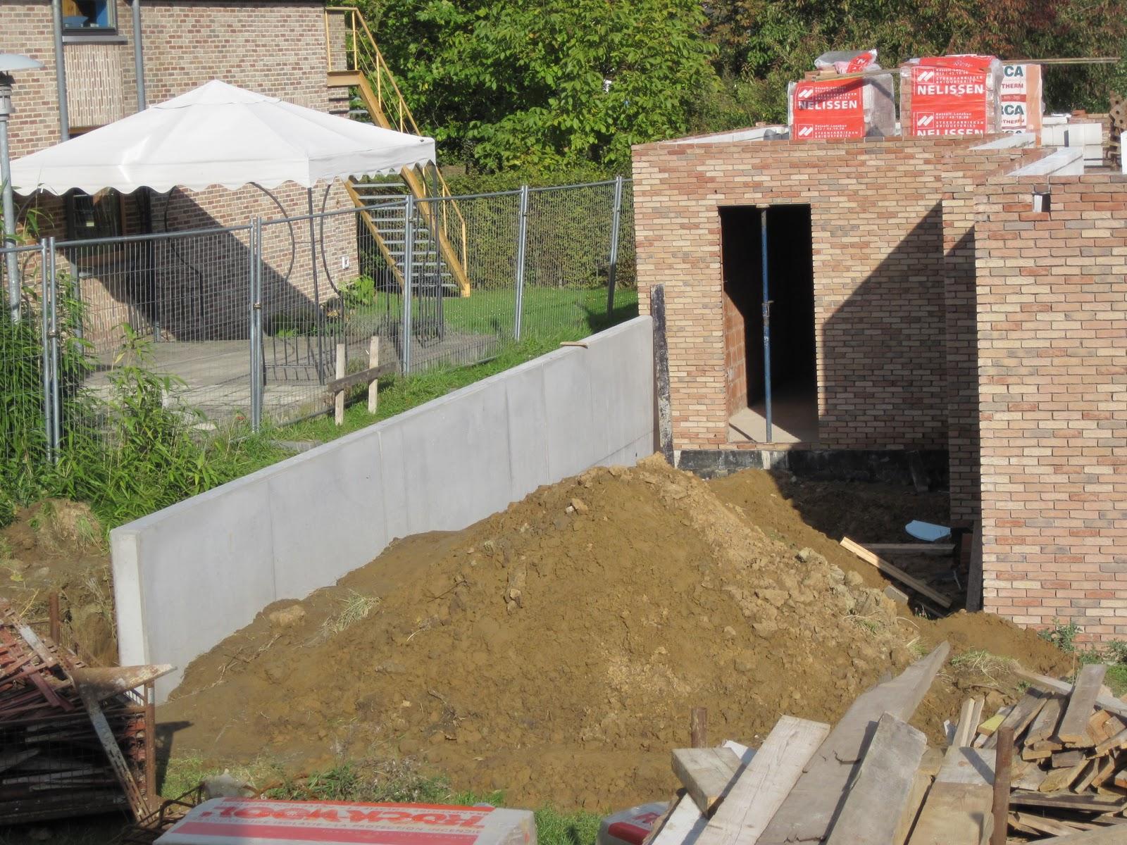 Alvinnenberg bouwt om het niveau verschil tussen alvinnenberg 2 en alvinnenberg 3 te - Terras van huis ...