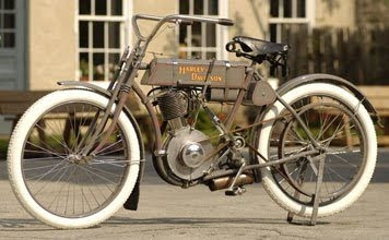 1907, Harley Davidson 'Strap Tank' Single