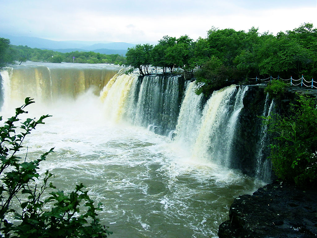 Mudanjiang China  city photos : Paradise China: Famous Waterfalls in China