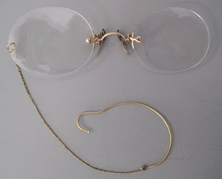 pivot fingerpiece pince nez