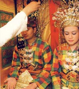 Baju Adat Melayu