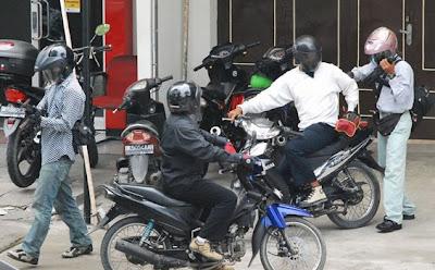 Foto-Foto Perampok Bank CIMB Niaga Medan 01