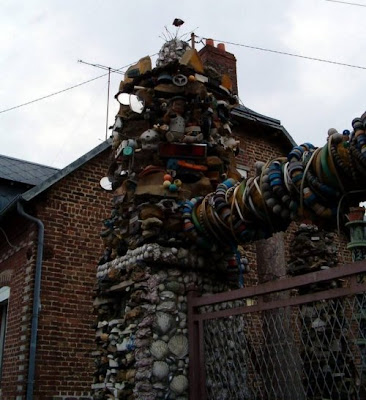 Weird cool things weird houses made from waste trash - Cool stuff made from junk ...