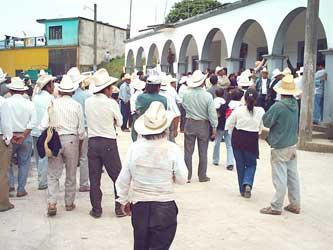 Toma de juzgado de paz origina hechos violentos en Huapalegcan