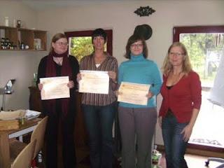 Frischgebackene Aromaepflegerinnen