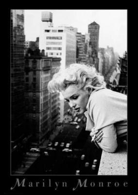 Jeux de la photo - Page 15 Maxi-Posters-Marilyn-Monroe---Balcony-71580