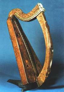 La harpe comme symbole officiel de l'Irlande : Harpetrinity