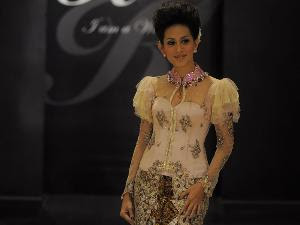 Javanese wed dress