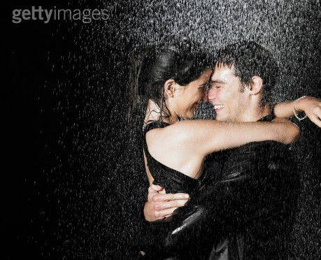 kissing in the rain wallpaper. couple kissing wallpapers. a