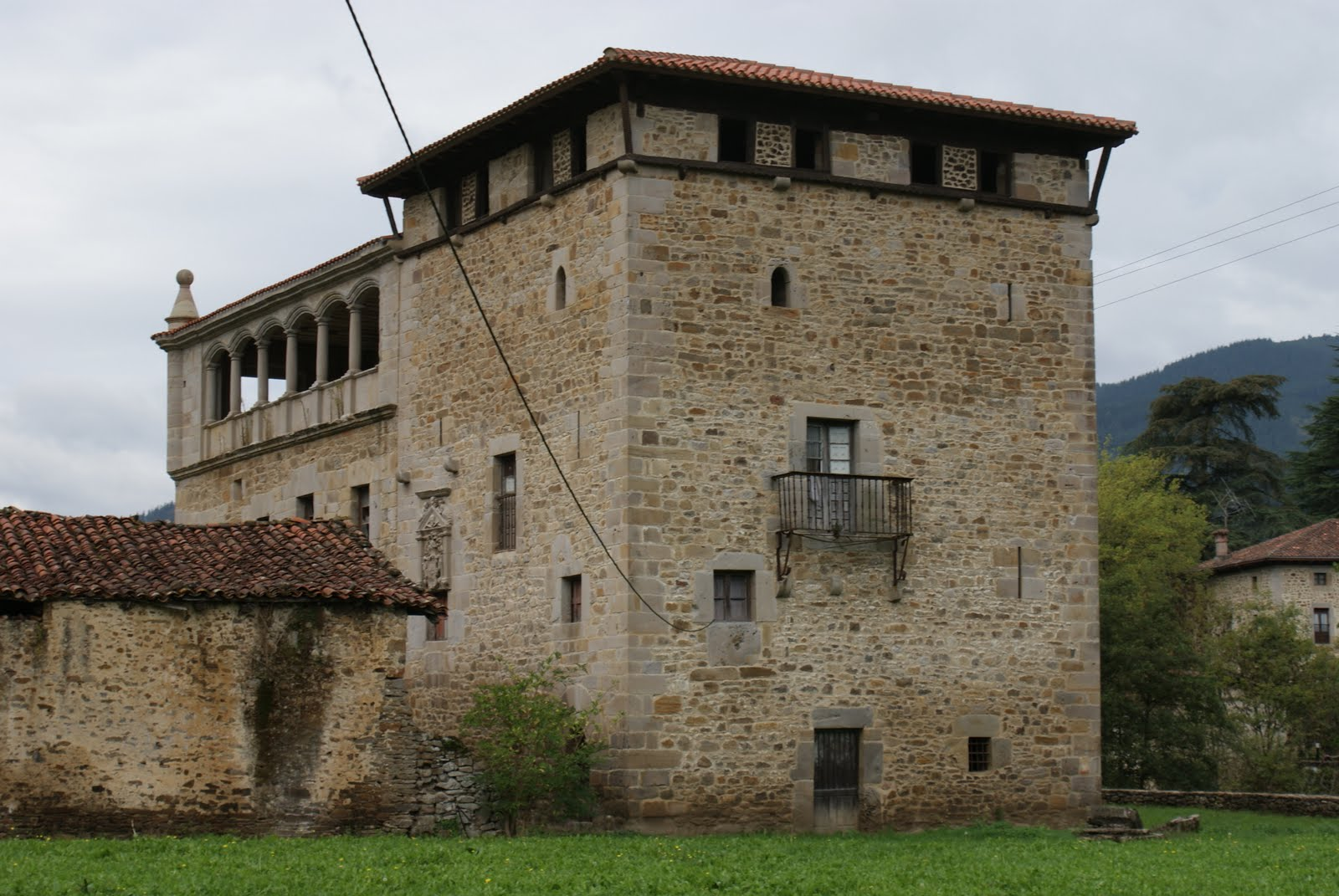 Historia en euskadi torre de oxirando gordexola for Piani di casa torre allerta