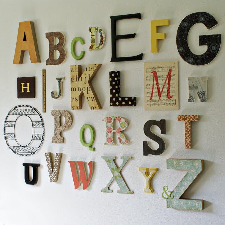 http://2.bp.blogspot.com/_IGZ1sImog28/TCpP30UC7uI/AAAAAAAAAv4/ybY0F3zfU_g/s1600/alphabet+wall.jpg