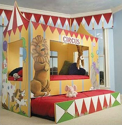 GOLDEN CHILDS BED