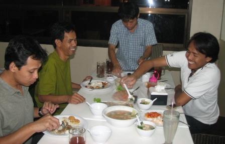 Dream Team! kika: Mr Dodi,Mr Ramdani,Mr Deden Mr,Roni