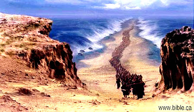 Israel crosses the Red Sea, image courtesy of www.bibla.ca