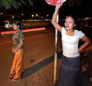 http://2.bp.blogspot.com/_ILF7hrc-r4g/Sldom-rdK4I/AAAAAAAAAf4/LRxobwlmaMg/s320/camboya.jpg