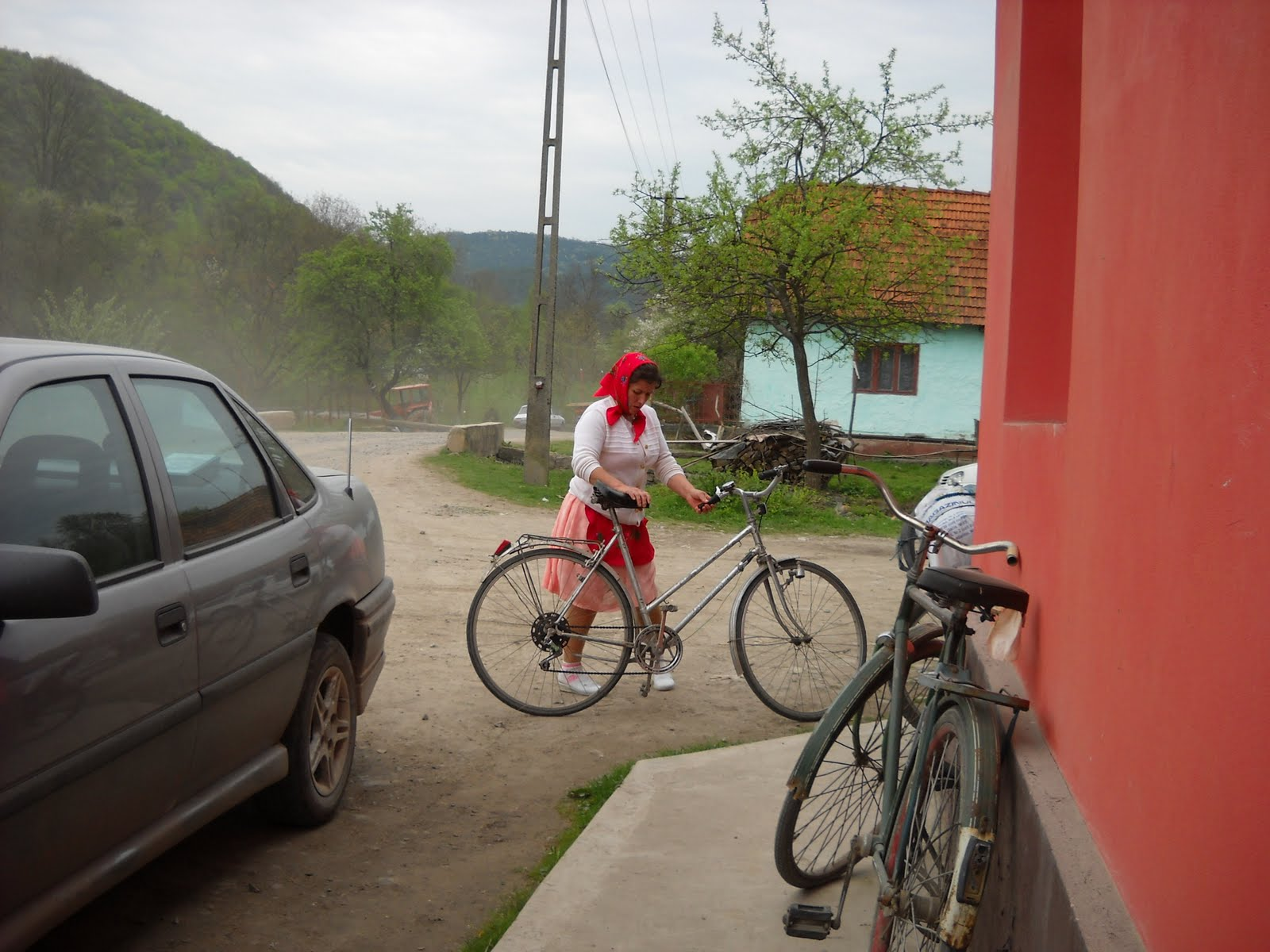 http://2.bp.blogspot.com/_ILnlQVHu15Q/S9beieaExWI/AAAAAAAABPI/ul16daa36eQ/s1600/o+localnica+biciclista.jpg