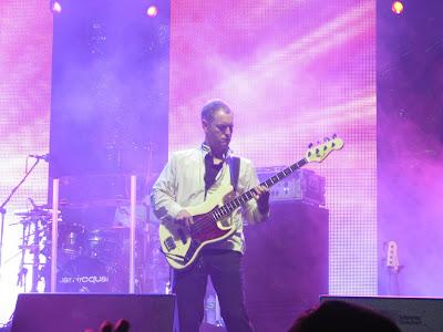 Baixistas e baixos que tocaram no Rock in Rio 2011 Paul+Turner