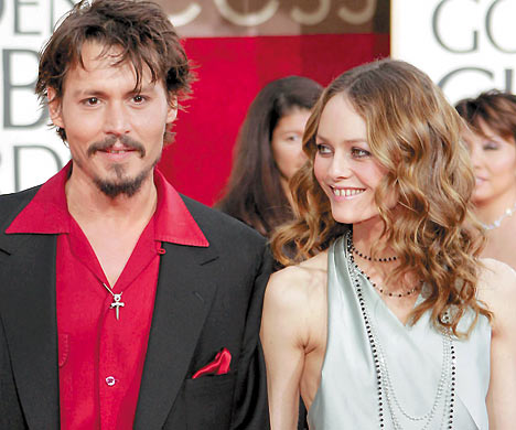 johnny depp and vanessa paradis pictures. johnny depp married to vanessa paradis